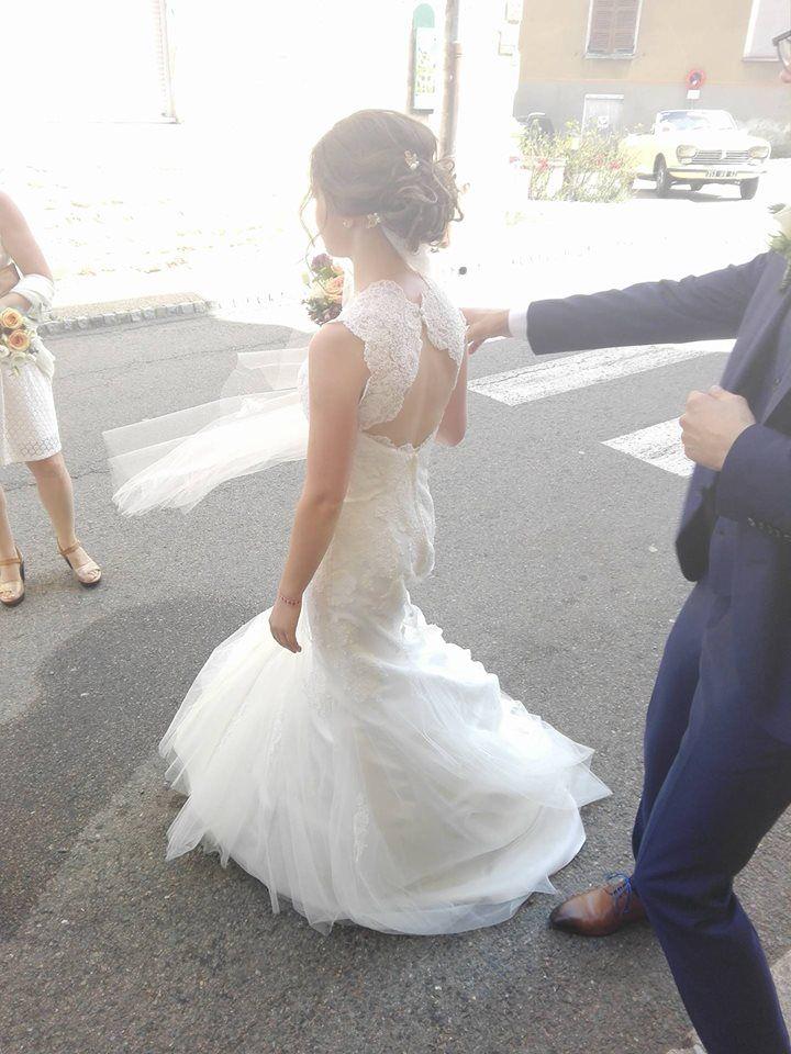 Robe de mariée dos nu. Modèle mademoiselle twill de chez pronuptia