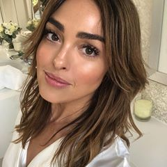 When asked to create naturally beautiful, glowing skin, the canvas doesn't get much better than my beautiful friend @alexsteinherr ✨ #nikki_makeup #glowing #skindreams #somethingexcitingiscoming
