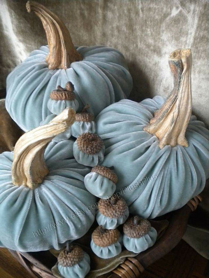 Velvet pumpkins and acorns