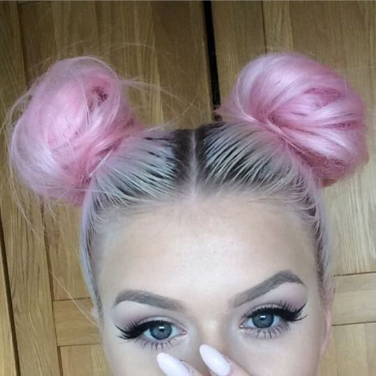 eyeliner, goals, grunge, hair, nails, pink, pink hair, silver, style, tumblr, space buns