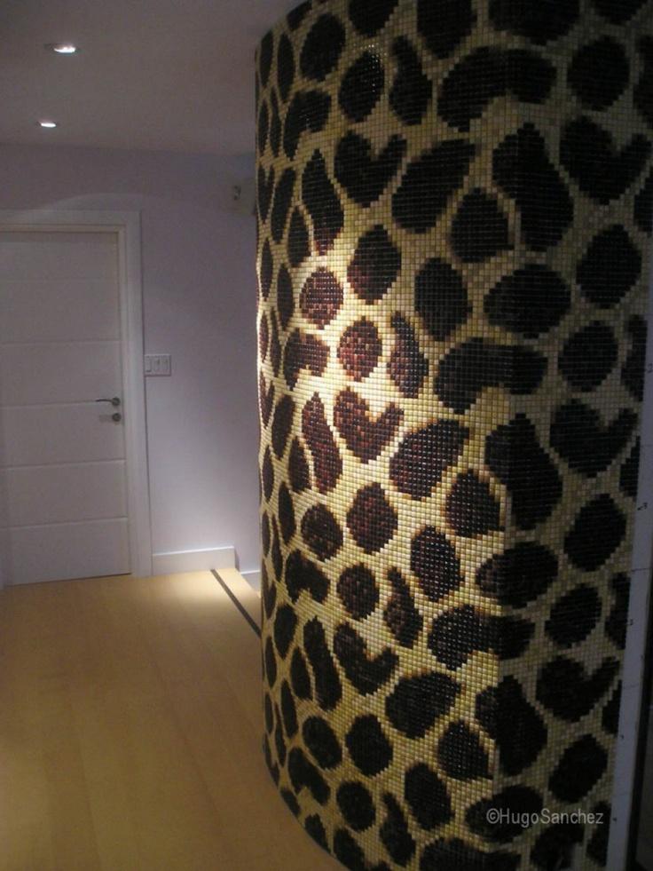Giraffe mosaic | Céramiques Hugo Sanchez Inc