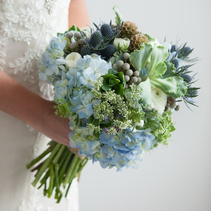 Bouquets this beautiful can inspire an entire wedding story — use these stems in various shades to create your own happy ending.