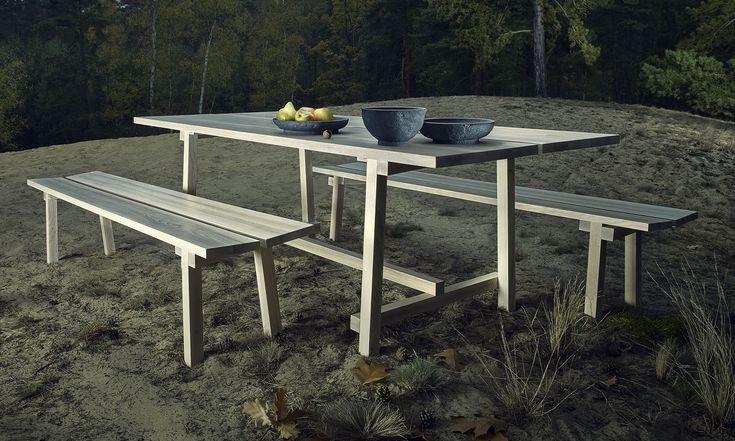 Čeští designéři zUntitled Collective navrhli kolekci nábytku amís Residuum