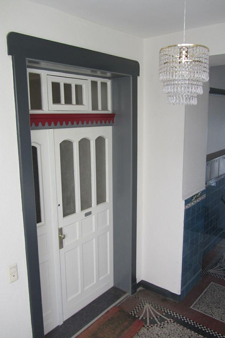 So empfängt man seine Gäste gern. Das sanierte Treppenhaus wirkt edel und einladend.