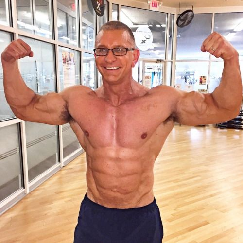 25 best images about Robert Irvine on Pinterest | Celebrity chef