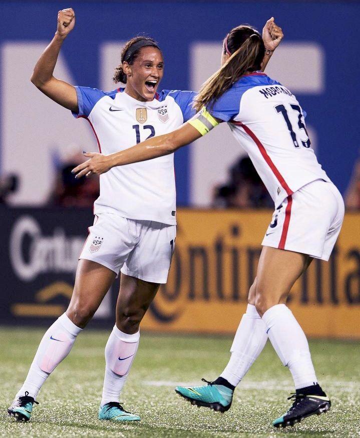 Pin By Sue Bernard On Ff Uswnt Uswnt Soccer Womens Soccer