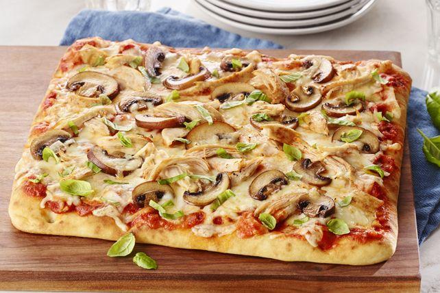 Vous pourriez bien sûr acheter de la pizza surgelée du commerce, mais soyez certain que votre famille préférera cette pizza éclair cuisinée par vous.