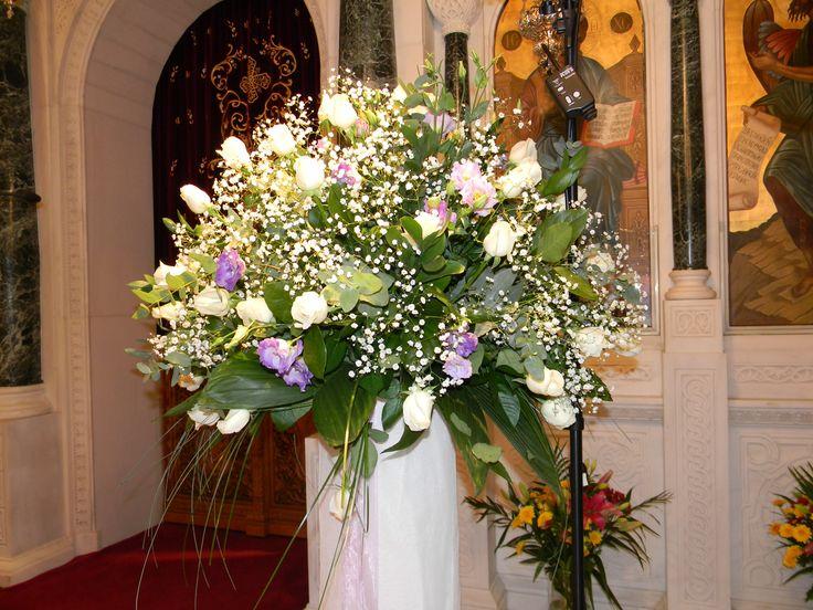 Ανθοστολισμός γάμου - βάφτισης στον Αγ.Κωνσταντίνο στην Γλυφάδα #lesfleuristes #λουλούδια #ανθοσύνθεση #ανθοπωλείο #γλυφάδα #γάμος #βάφτιση #νύφη #δεξίωση