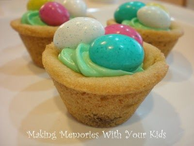 Easter Egg Hunt Cookies (filled with goodness!) - Making Memories With Your Kids: Cookies Cups, Minis Muffins, Easter Egg Hunt, Muffins Tins, Hunt'S Cookies, Easter Eggs Hunt'S, Easter Baskets, Easter Treats, Easter Cookies