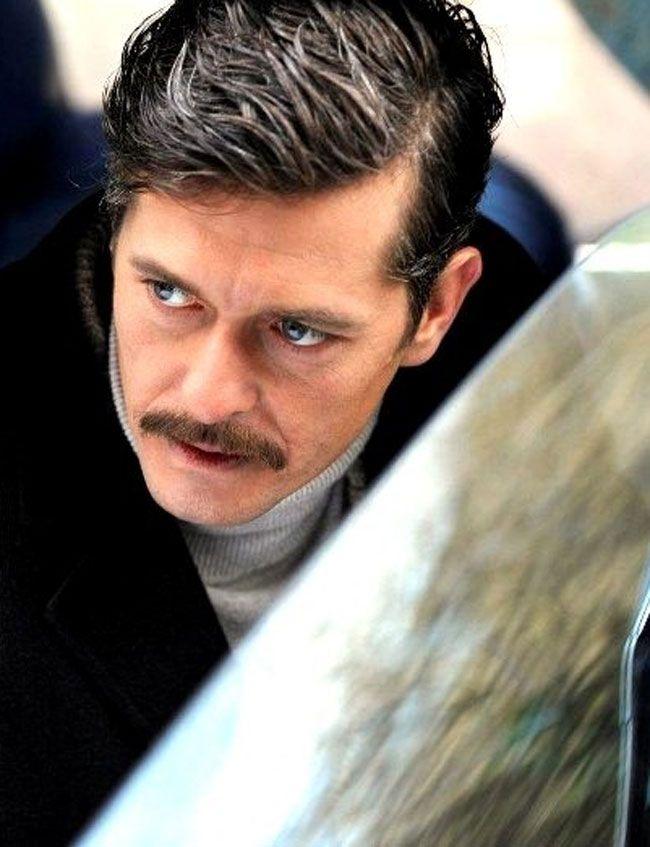 Mete Horozoğlu como Soner Talaşoğlu ...tormenta de pasiones.. Turkey