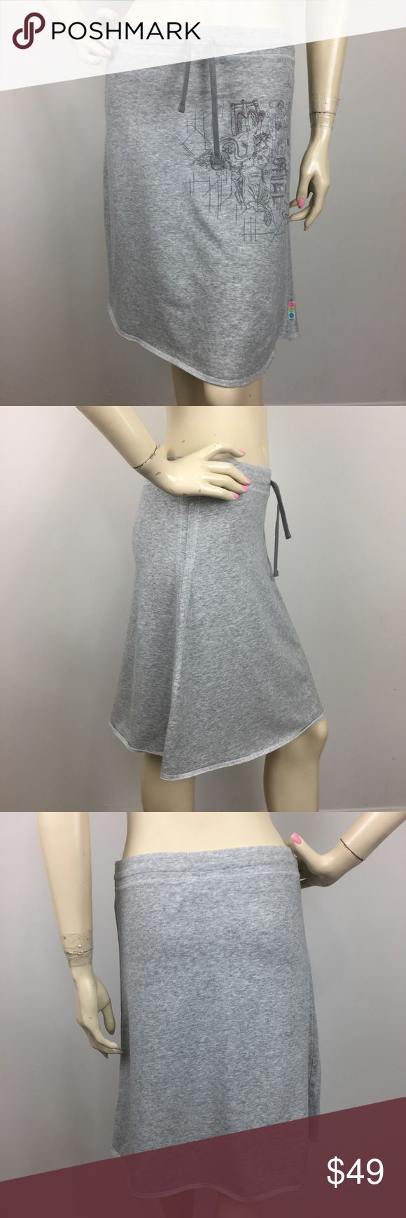 Nike Running Marathon Map Grey Skirt XS 0-2 RARE! CONDITION: New without tags MATERIAL: 95% Cotton 5% Spandex  STYLE# 215923-050 (Please note that the measurements are approximate) ALL MEASUREMENTS ARE TAKEN WITH GARMENT LYING FLAT: WAIST: HIPS: LENGHT: Nike Skirts A-Line or Full