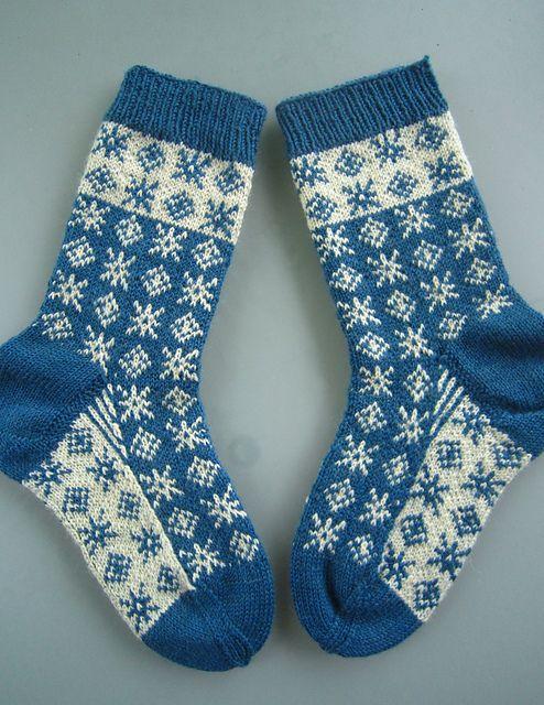 Ravelry: Socken Tag & Nacht pattern by Dela Hausmann