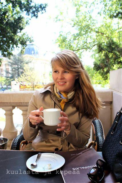 Kuulasta ja kepeää: Hermes-huivissa Pariisin keväässä