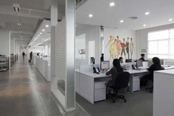 Modern corporate office design ideas interior design for for Corporate office decorating ideas