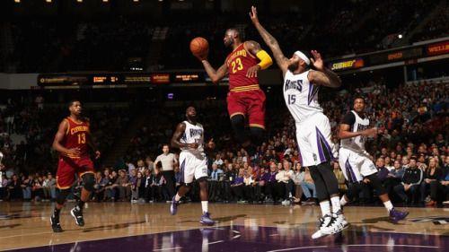 LeBron James kid introduces LeBron before Kings-Cavaliers game... #NateRobinson: LeBron James kid introduces LeBron before… #NateRobinson