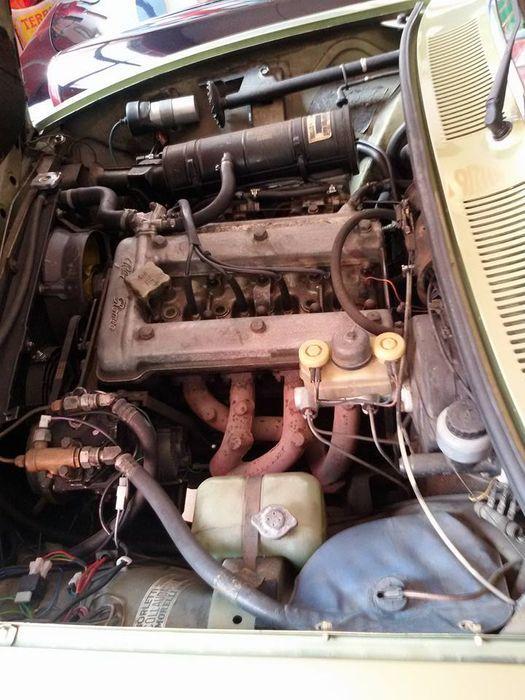 Alfa Romeo - Alfetta 1.8 uit 1975  GEGEVENS Geldige keuring: nee, maar kan voor aflevering geregeld worden Origineel kenteken en papieren: Italiaanse Registratie: April 1975 Kilometerstand: 35 000 km Eigenaren: 3 Brandstof: benzine/LPG Motor: 1779 cc Kleur: metallic olijfgroen Conditie en onderhoud: goed werkend Conditie lak en carrosserie: zeer goed, zoals in de foto's te zien is Conditie van de onderkant: zeer goed Versnellingsbak: handgeschakeld Carrosserie type: 4/5-deurs  B...