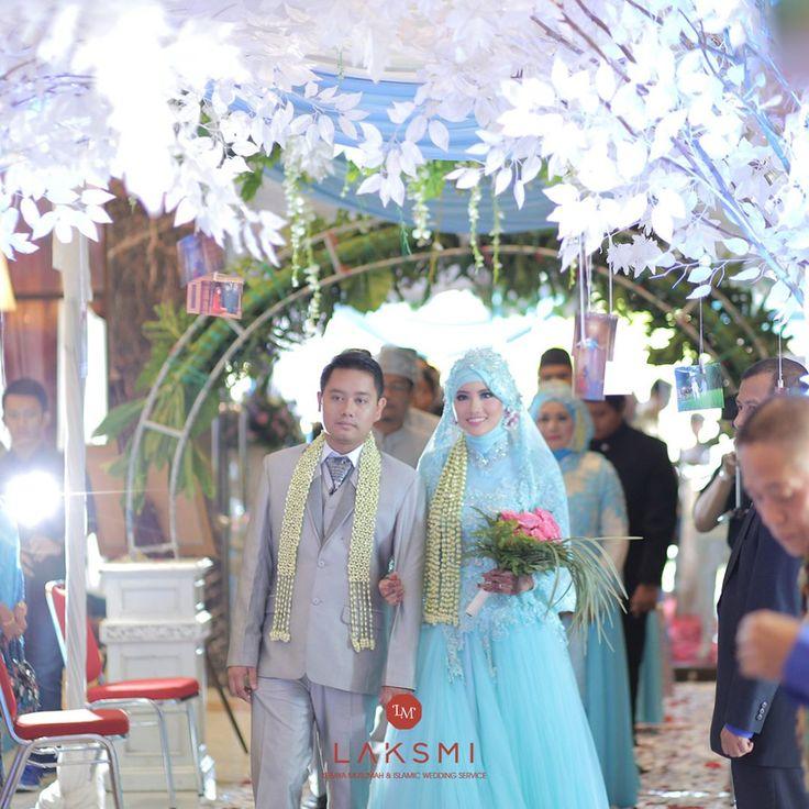 Pernikahan seperti apakah yang kamu inginkan? Nuansa modern dengan warna warni pastel? Pernikahan yang terinspirasi dari negeri dongeng? Atau pernikahan yang sederhana dan hanya dihadiri keluarga inti saja? . Setiap orang memang memiliki pernikahan impian mereka masing-masing Bagi Sahabat laksmi yang bingung ingin pernikahan yg seperti apa dan sesuai dengan budget, yuk konsultasikan pernikahanmu dengan kami ^^ . #ramadhan #ramadhankareem #motivation #inspiration #kebayalaksmi #laksmimuslimah…