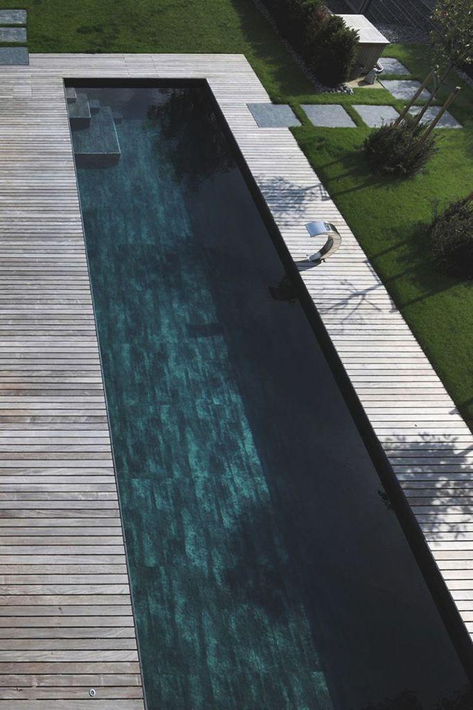 Piscine bois, couloir de nage, minimaliste