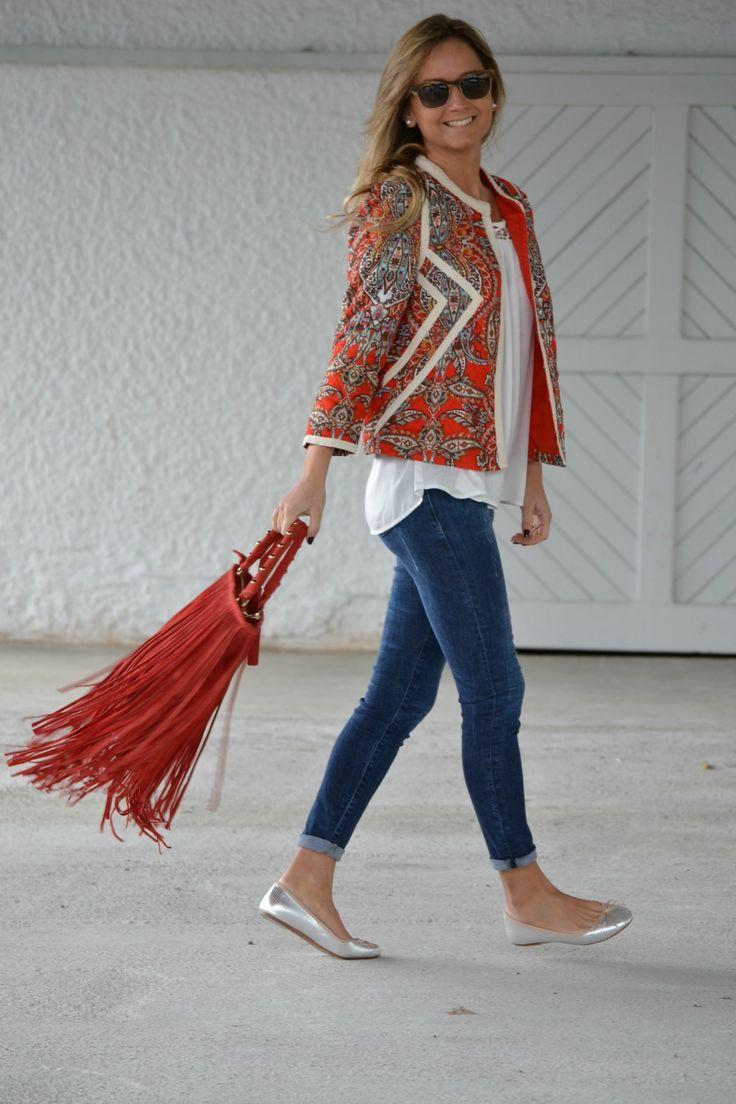 paisley top & fringe bag                                                                                                                                                      Más