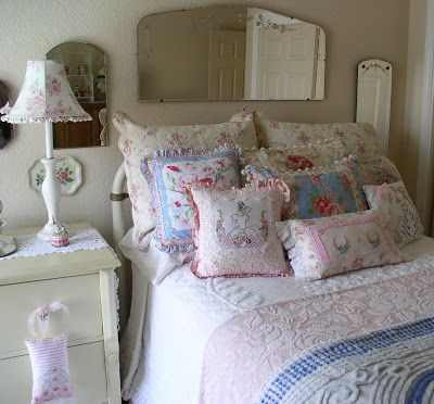 The guest bedroom, before redoing it to red and whites.