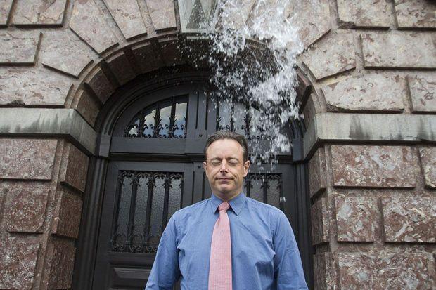 'Bart De Wever versus de grondrechten: onwettige betogingsvoorwaarden beperken de vrijheid van meningsuiting'