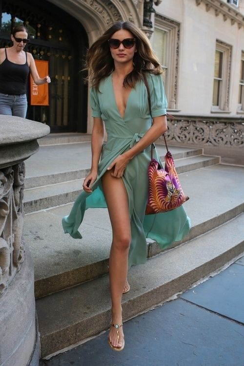 Miranda Kerr in a Beautiful Teal Dress ~ Glamouria in Fashion – Roxstar 🌟