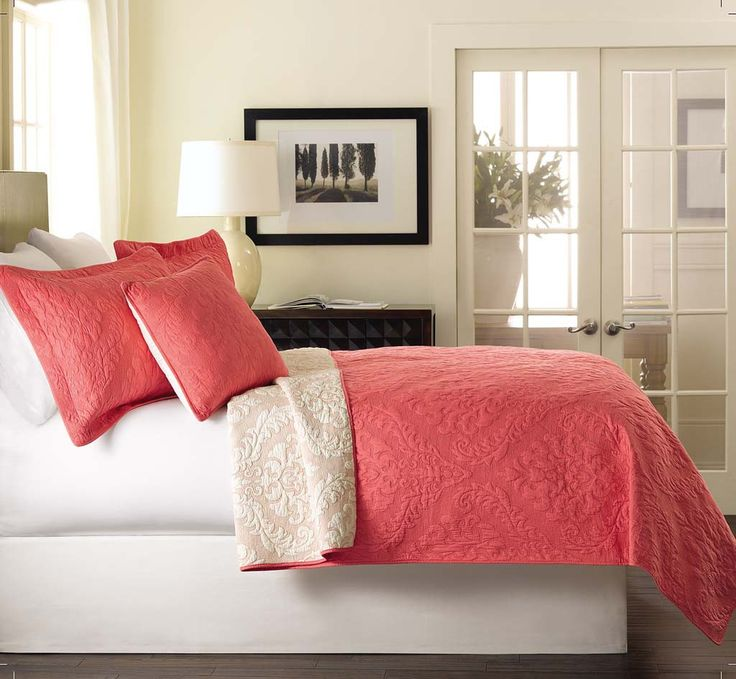 Tache 3 Piece Light Pink Luxembourg Coral Bedspread Set- Queen