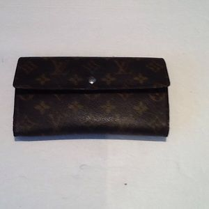 I just added this to my closet on Poshmark: Authentic Louis Vuitton Long International Wallet. Price: $170 Size: OS