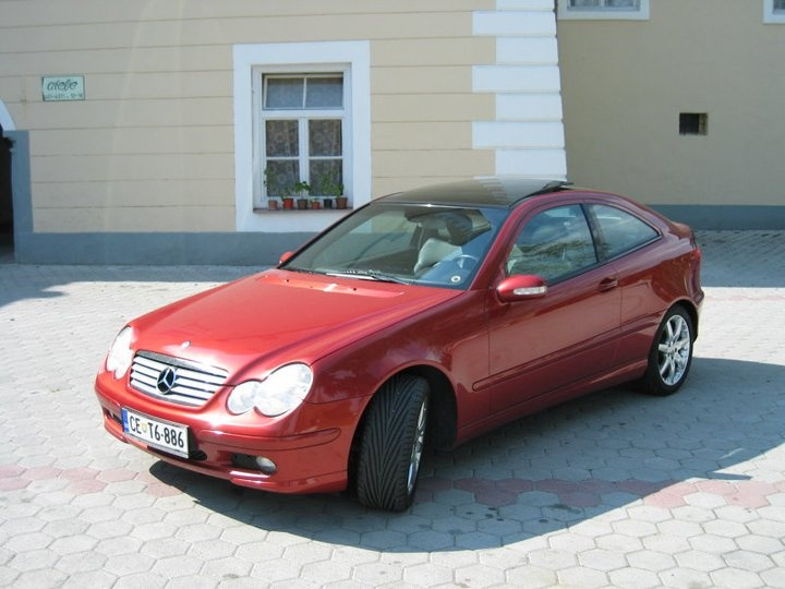 Mercedes benz c230 kompressor short take road test autos for 2006 mercedes benz c230 problems