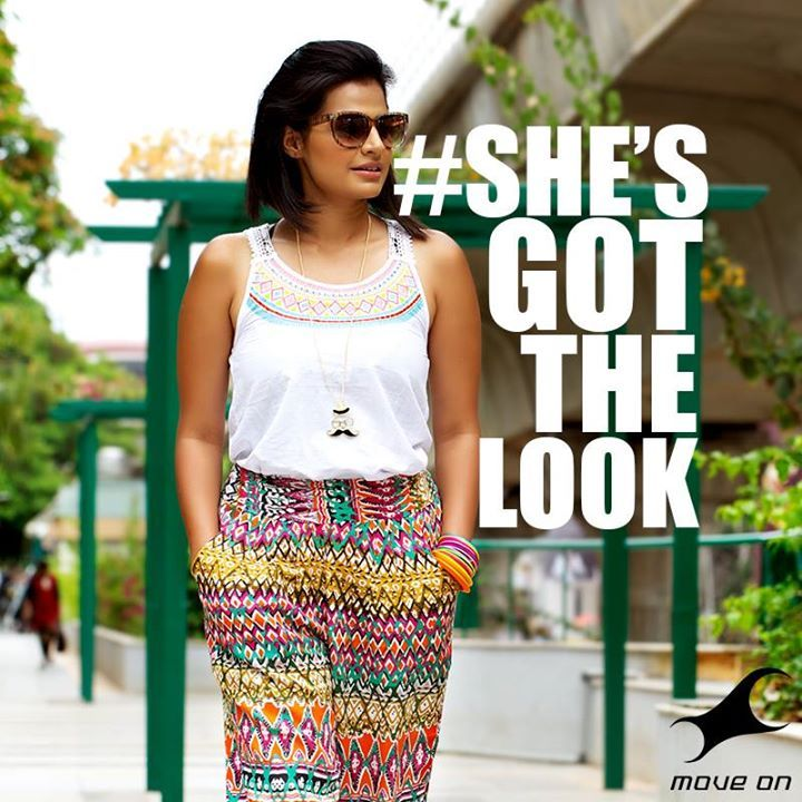 A girl who beats the heat with a pair of #FastrackSunglasses is a girl who knows #ShesGotTheLook! #Design #Fashion