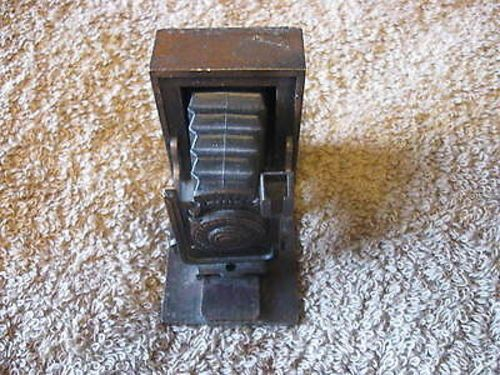 Vintage Die Cast Pencil Sharpener Old Camera Shape CL18-24 by DyDa