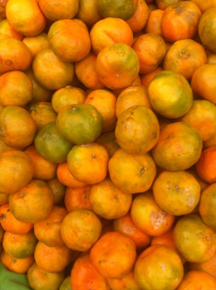 Mandarinas, Mercadito de los palos grandes.