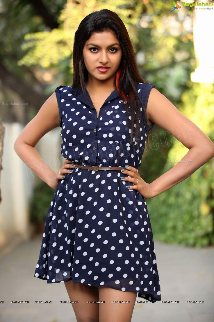 http://www.ragalahari.com/actress/11731/heroine-sai-akshatha-ragalahari-photo-shoot/image127.aspx