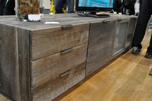 Nice entertainment stand/dresser idea.  Can use old barnwood.
