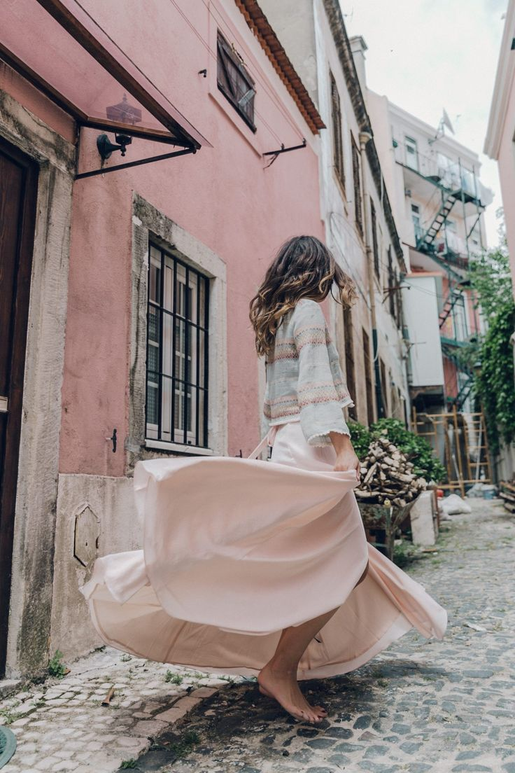 Gorgeous photos in Lisbon - Pink skirt to match pink walls   Collage Vintage