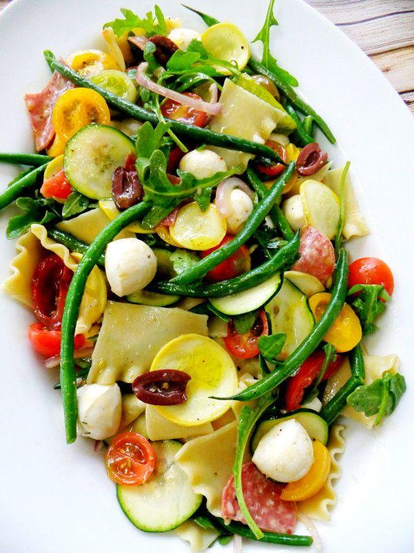 plantaardige pasta salade met gebroken lasagne noedels