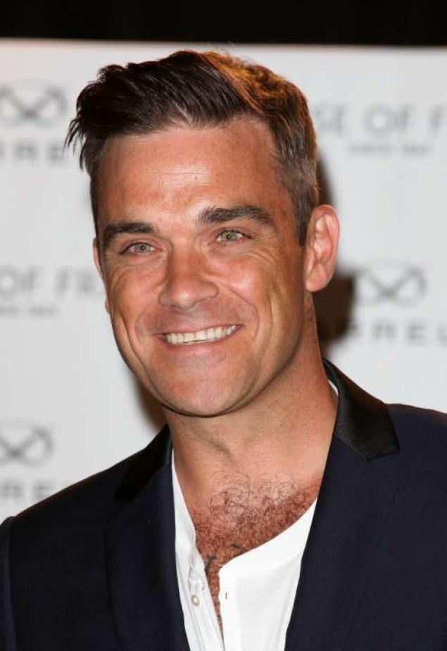 Robbie Williams is so hot !
