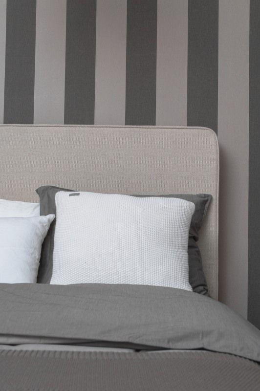 Zagłowie łożka nowoczeny i prosty styl