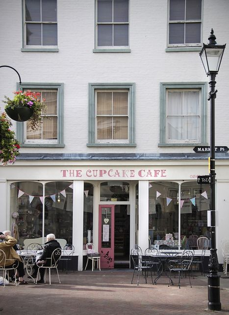 exterior of the cupcake cafe, margate, england   foodie travel + bakery cafes #storefronts