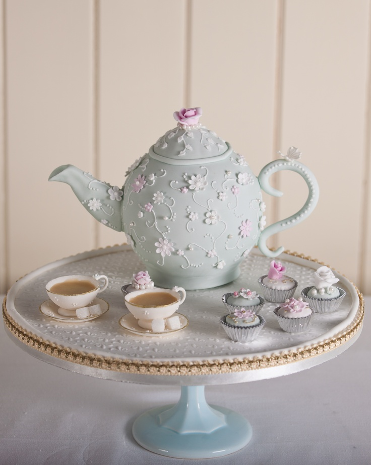 Teapot #Cake by Fiona Cairns - Such a beautiful cake! Great #CakeDecorating We love and had to share!