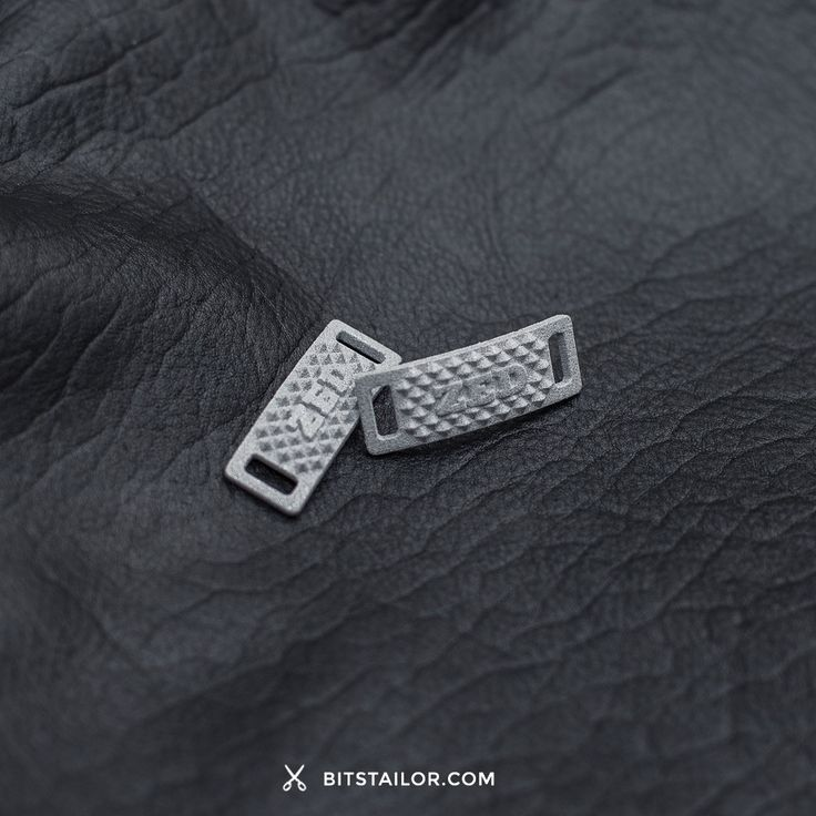 Silver Lacelock Rock – Custom 3D printed lacelock. Add a touch of Rock to your sneakers ✄Designed by Bits Tailor.