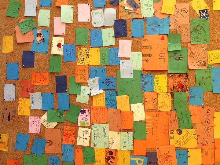 Woensdag 26 oktober geeft Geesje Tinge van 'Freubelen&zo' een workshop in de bibliotheek van Odoorn. Bij deze workshop maak je een persoonlijk memobord met een krijtbord, memoclip en plaats voor foto's en sleutels. Hiervoor maak je gebruik van (verschillende kleuren) verf, stiften, stempels enz.  Lees verder op onze website.