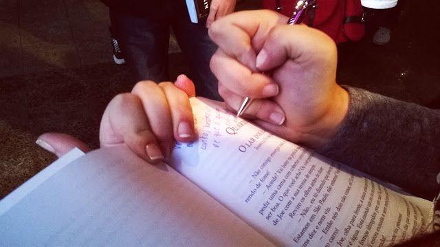 Uhuuuuul! Post novo pessoas felizes! E o melhor: é a segunda parte das fotos do evento Livros em Pauta! Vocês tem que conferir! http://goo.gl/HMA6q7