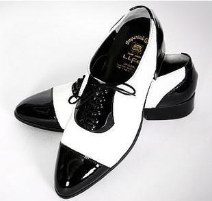 Мужские туфли черные с белым носом