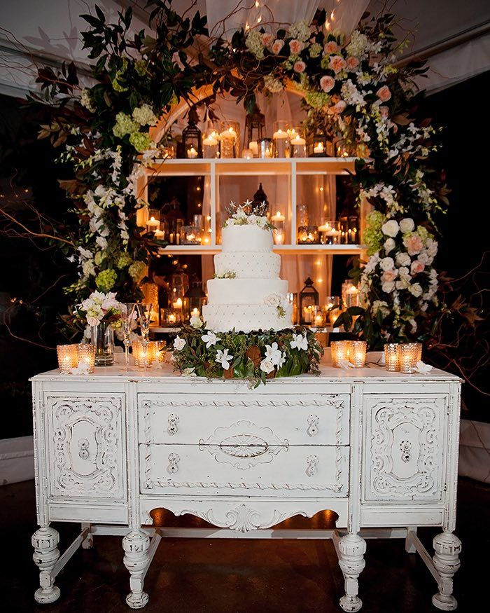 photo: Sison Photography; Such a pretty wedding cake table display;
