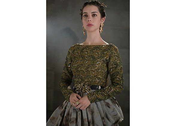 Via:LuckyMagazine <i>Reign</i>'s Adelaide Kane Talks Vintage Shopping And Sixteenth-Century Style Inspiration With The Series' Costume Designer
