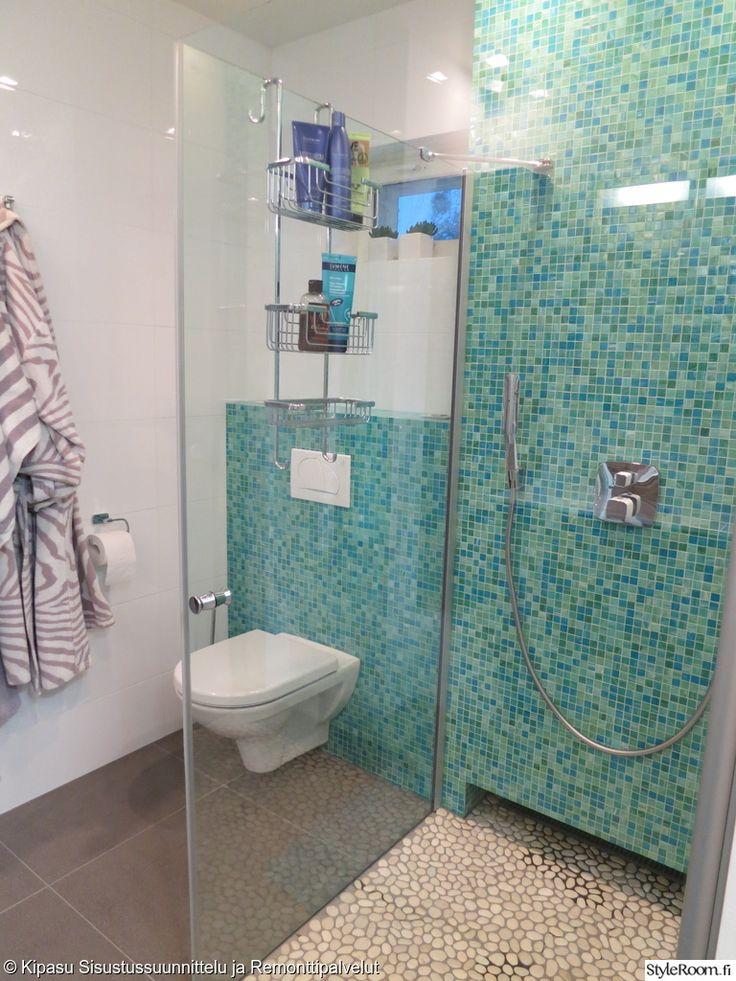 kylpyhuone,suihkuseinä,laatta,laattalattia,turkoosi seinä,turkoosi,mosaiikki