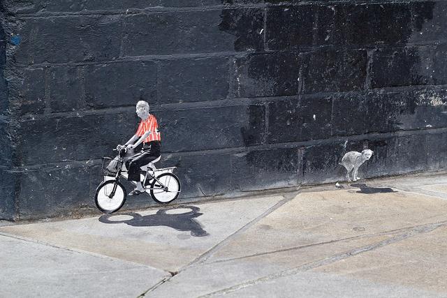 Pablo Delgado by AdversMedia, via Flickr  #streetart #delgado