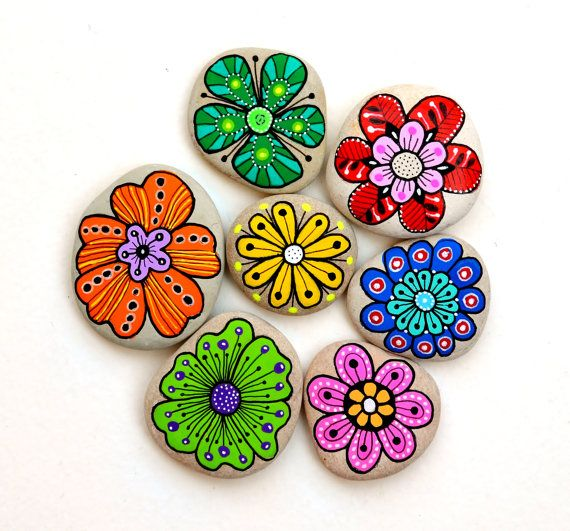 Hand Painted Stone Flowers / Set of 6 by ISassiDellAdriatico