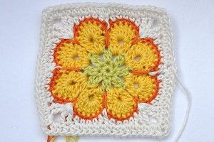 Crochet * Granny Square Somalia: Squares Somalia, Crochet Granny Squares, Square Somalia, Flowers Squares,  Dishcloth, Videos Tutorials, Africans Flowers, African Flowers, Dishrag